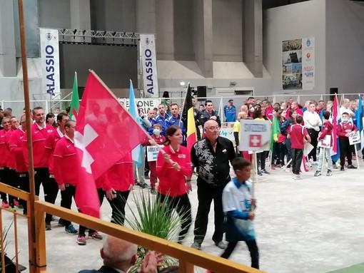 Il  sindaco di Alassio ha aperto ufficialmente i Mondiali di bocce: la Svizzera in parata