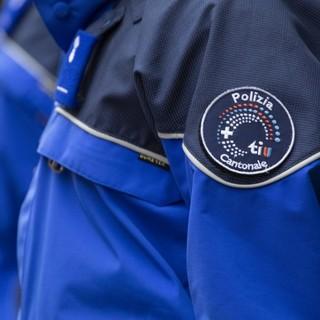 Ticino, poliziotto cantonale nei guai per falsità in documenti e ripetuta infrazione alla Legge federale sulle armi