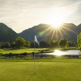 Quale paesaggio migliore può fare da contorno a un campo da golf se non il Canton Ticino? Ecco il Golf Club Gerre Losone