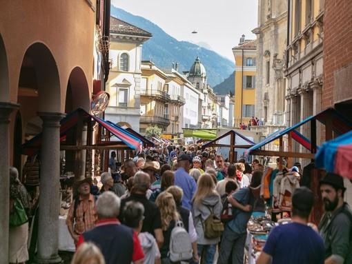 Il mercato di Bellinzona, una delle più valide tradizioni ticinesi