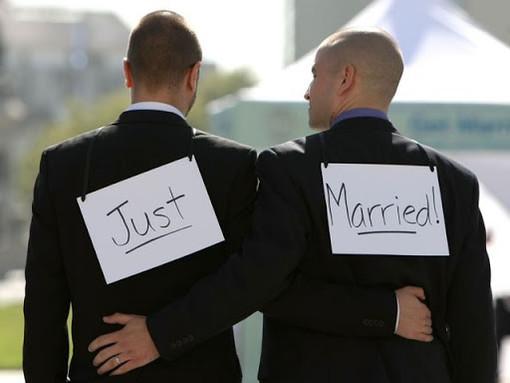 """""""Matrimonio per tutti""""? Le firme per far dire ciò che pensano agli svizzeri ci sono"""