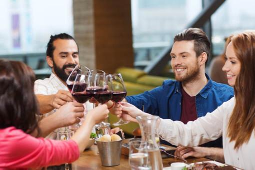 Riapertura in vista per gli spazi interni di bar e ristoranti del Ticino