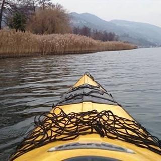 Il kayak, un'avventura a pelo d'acqua in Ticino